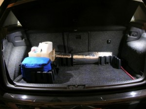 Moving onto the hatch...well, if the owner had given me his oem cargo mat, this would have been waht it would look like with it in place on a daily basis...but because he didnt, i had to steal this pic off the web :)